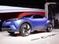 Toyota с CH-R на парижкия подиум